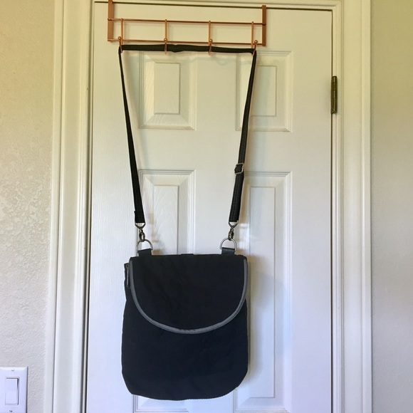 thirty-one Handbags - Black Circle Satchel Purse Backpack 31 Thirty One